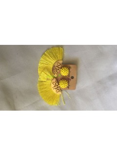 Thread earring Yellow