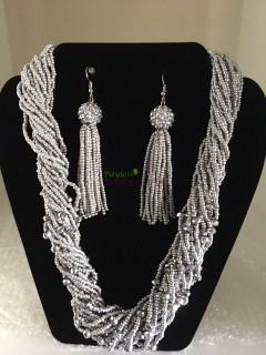 Ashante Beads Necklace Set