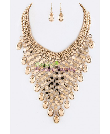 Fashion  Gold  inspired necklace Set